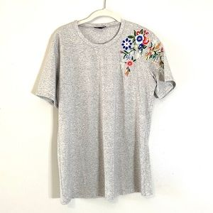 Amaryllis Basic Grey Tee with Floral Embroidery